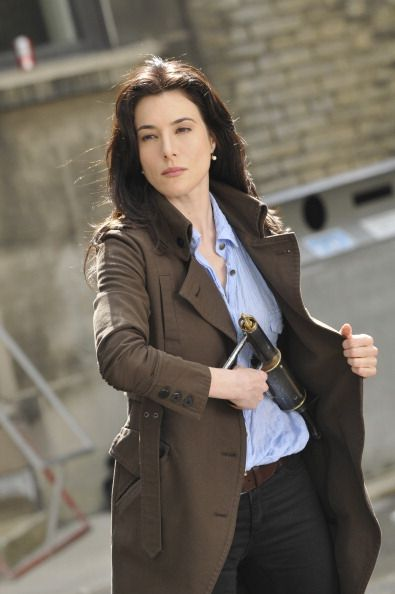 Another classy hg outfit - dark jeans, belt, shirt and longline jacket. maybe i need some long(ish) jackets....