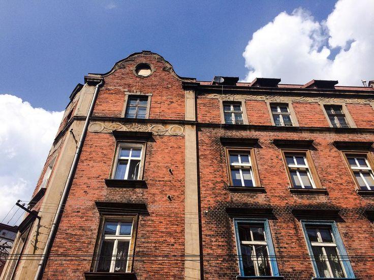 #Bytom, ul. Katowicka 43 #townhouse #kamienice #slkamienice #silesia #śląsk #properties #investing #nieruchomości #mieszkania #flat #sprzedaz #wynajem