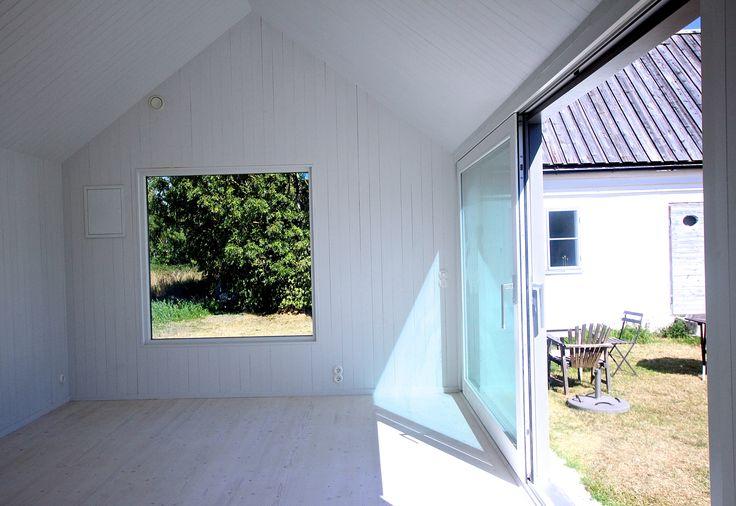 Attefallshus - www.sommarnojen.se #interior #woodenpanel