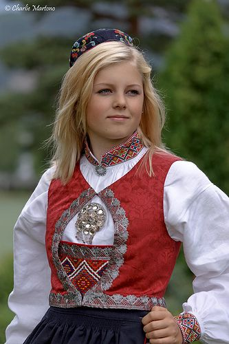 Traditional women's bunads from Sigdal, Norway