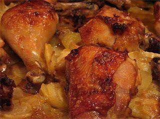 Hozzávalók: 1 kg csirkecomb, 1 kg vöröshagyma, 10 dkg kolozsvári füstölt szalonna, 75 dkg burgonya, 3 dl tejszín, 1 teáskanál citromfű, 1 m...