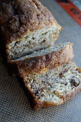 Cinnamon swirl banana bread.  I need more bad bananas!Bananas Breads Recipe, Bananabread, Swirls Bananas, Cinnamon Swirls, Food, Cinnamon Breads, Banana Bread, Cinnamon Bananas Breads, The Breads