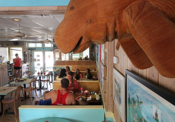 5 best restaurants in Palm Beach County to eat breakfast at the beach