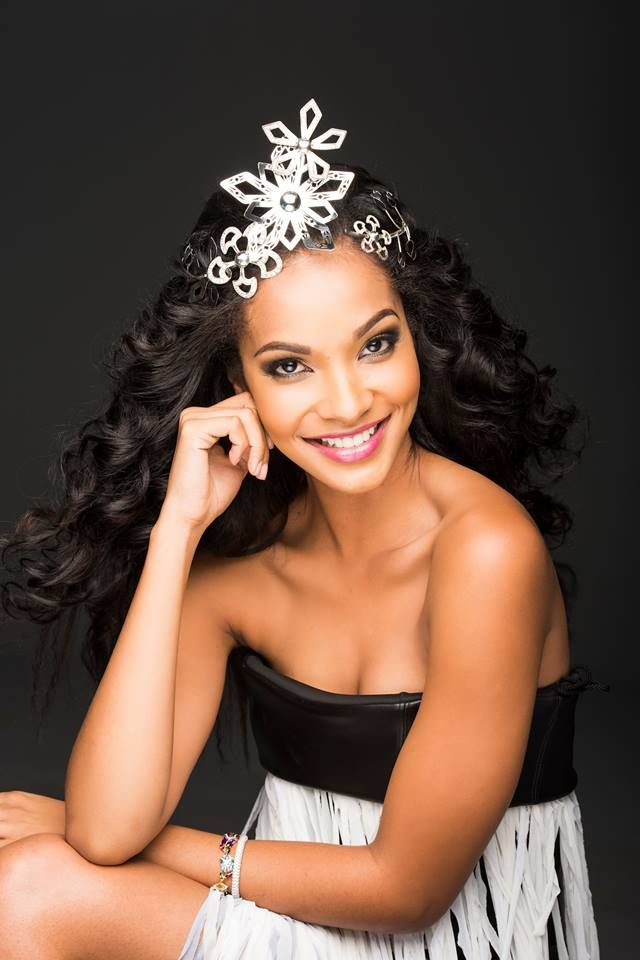 The one who reigns supreme - Miss South Africa Liesl Laurie!