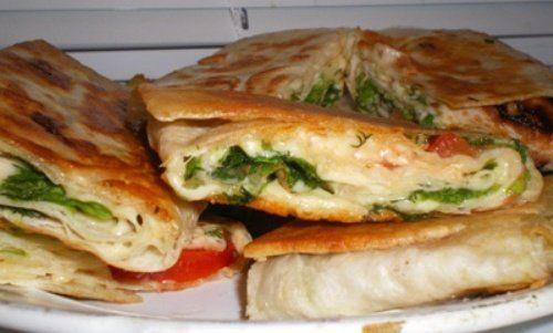 тортилья/лаваш+сыр+помидор+зелень
