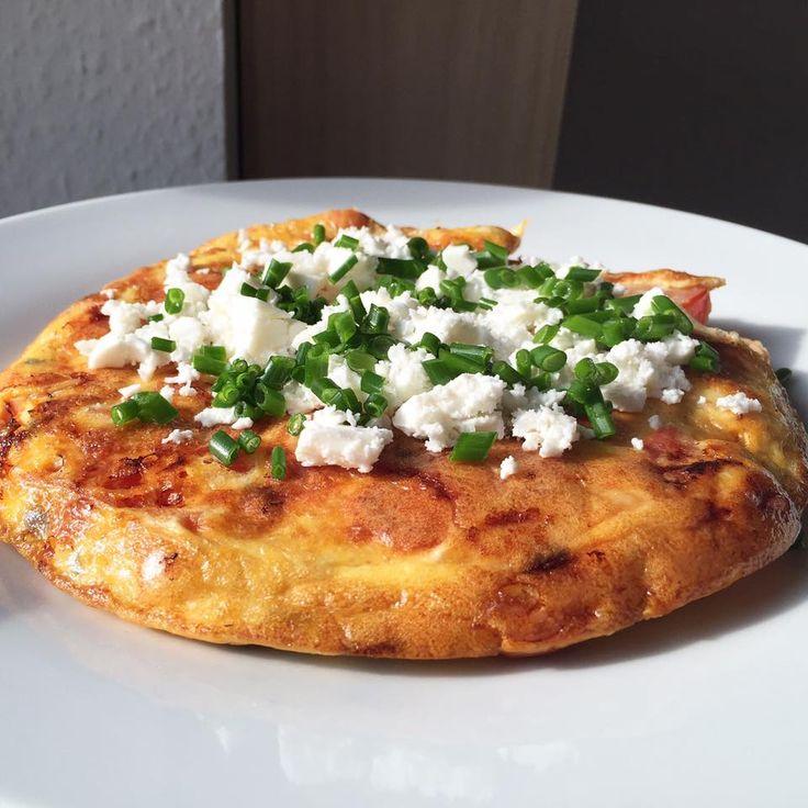 Sund omelet med purløg og feta