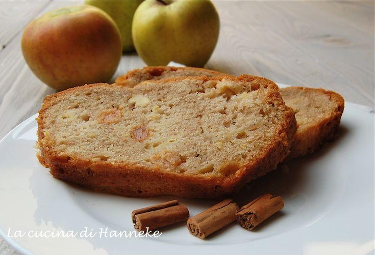 Ho appena sfornato questo plumcake alle mele e uvette e dovreste sentire il profumino nella mia casa!