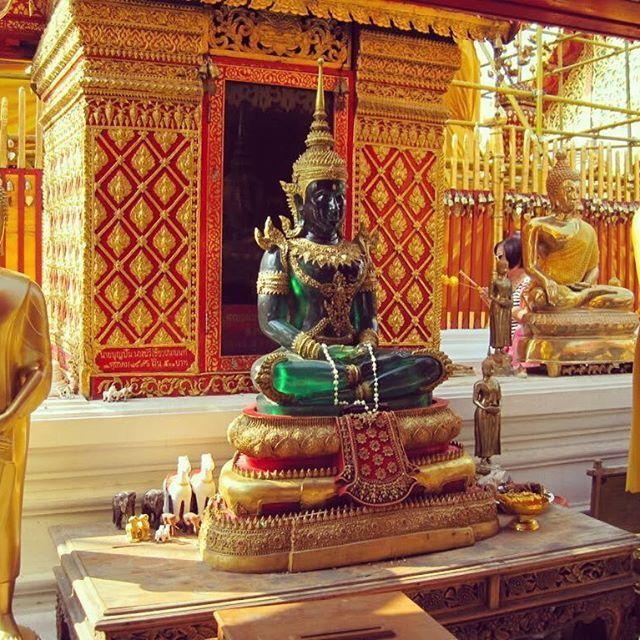 I meravigliosi tempi del Nepal! Voglia di un viaggio alla scoperta di una parte del mondo?  #giftsitter è la #lista viaggio adatta ad ogni occasione. Scopri di più cliccando sul link in bio.  #giftsittermania #nepal #vojage #vacanza #travel #travelingram #instagram #instadaily #photooftheday #viaggiare #inspiration #world #meditation #lista #regalo #viaggiatori #place #picoftheday #tempio #meditazione #buddha