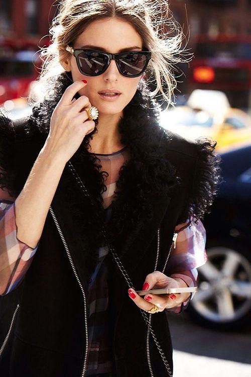 Cat Eye Sunglasses Fashion / Lentes de sol chic http://noviaticacr.com/chic-bajo-el-sol-lentes-de-sol-para-esta-temporada/ #BlackFriday #BlackFridayDeals