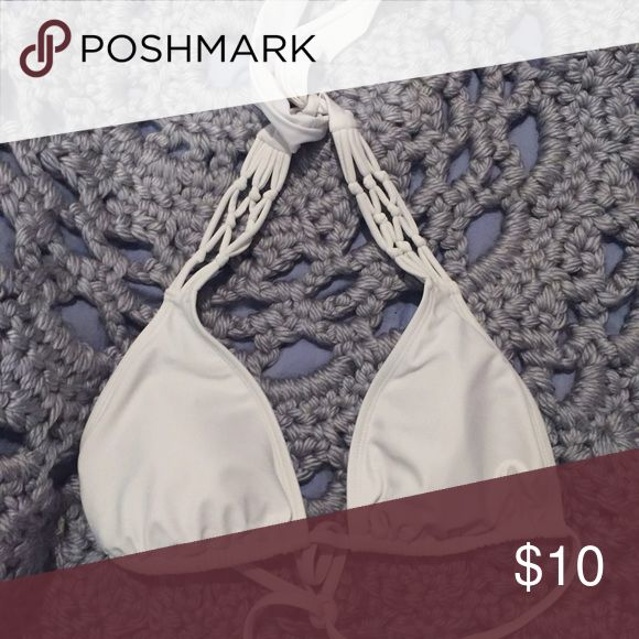 White triangle bikini top Whit triangle bikini top with padding and pretty pattern! Only worn once. In great condition! Swim Bikinis