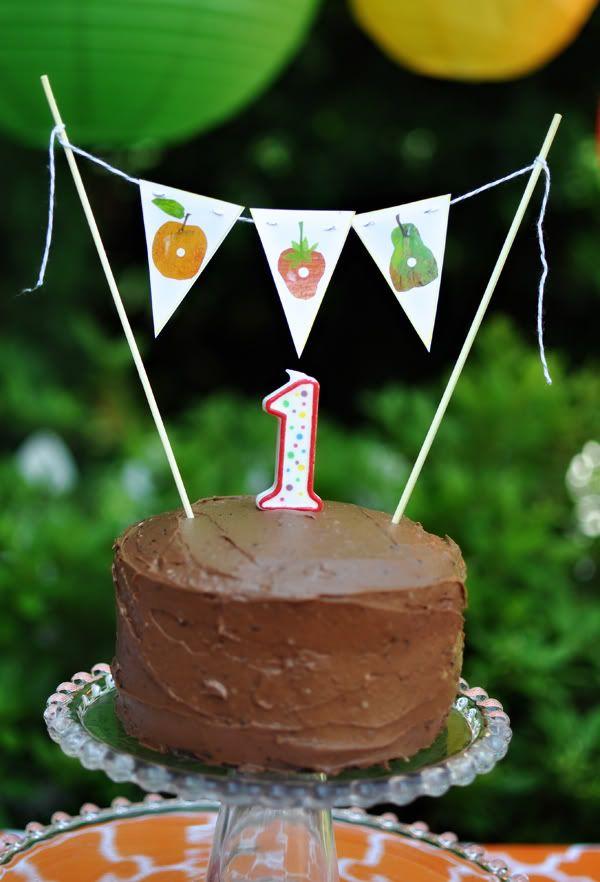 easy cake: Hungrycaterpillar, Hungry Caterpillar Birthday, Caterpillar Parties, Birthday Parties, Smash Cakes, Hungry Caterpillar Party, Very Hungry Caterpillar, 1St Birthday, Parties Ideas