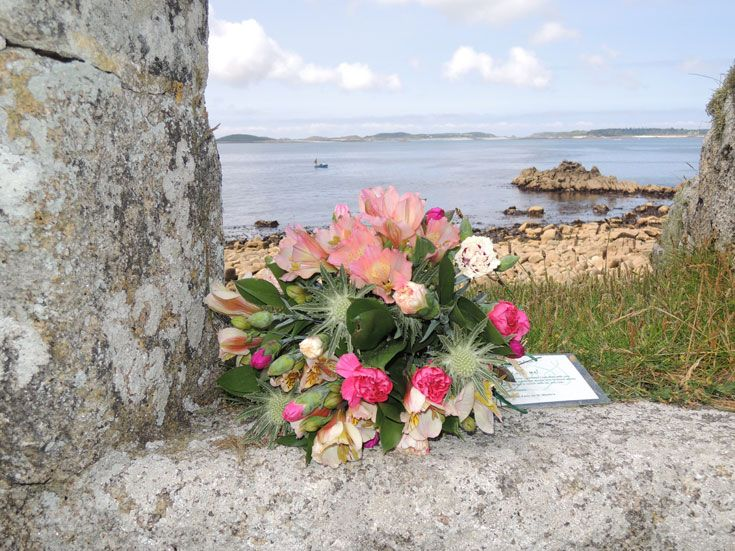 Taking part in lonely bouquet week, we left bouquets across the islands to be found by willing passers by- spreading cheer and joy!