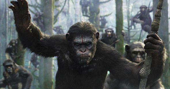 'El amanecer del planeta de los simios' llega de las manos del director Matt Reeves, contando cómo 10 años después desde 'El origen del planeta de los simios', la raza humana se encuentra casi aniquilada por un virus, extendido por los primates. Cesar es ahora el líder de una nación de simios evolucionados genéticamente, con una relación muy frágil con los humanos supervivientes al virus.