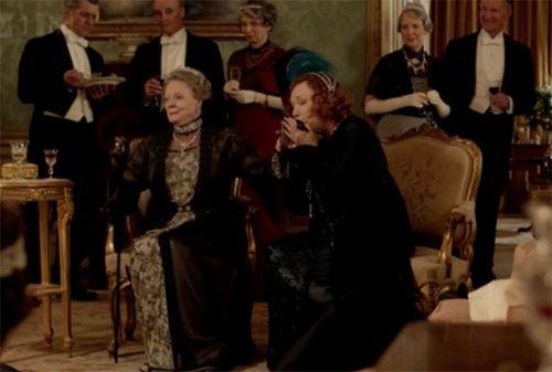 Martha croons a Sapphic ode to Violet, AWkWARD! On Downton Abbey Season 3 Episode 2