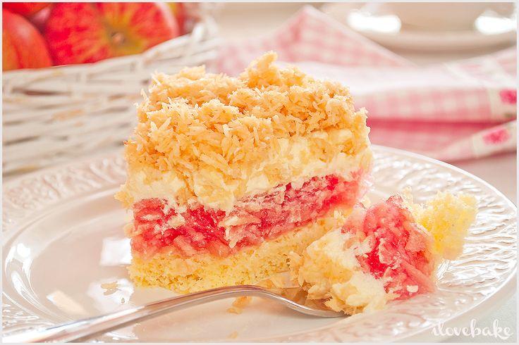 Ciasto z masą jabłkową, budyniem oraz kokosową kruszonką - przepis - I Love Bake