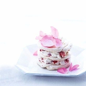 Rose and Strawberry Meringues Recipe Ideas - Healthy & Easy Recipes