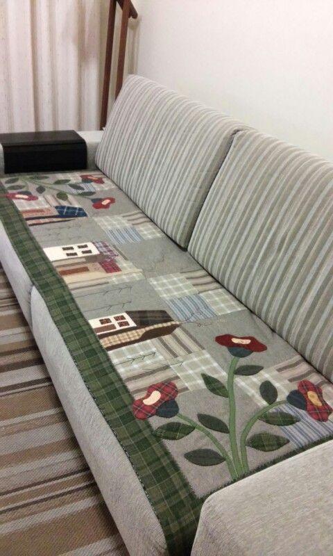 Arteira Glê - Manta para sofá. Pelotas / RS.