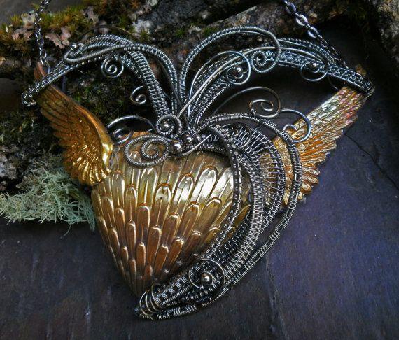 Gothic Steampunk hart met vleugels van twistedsisterarts op Etsy
