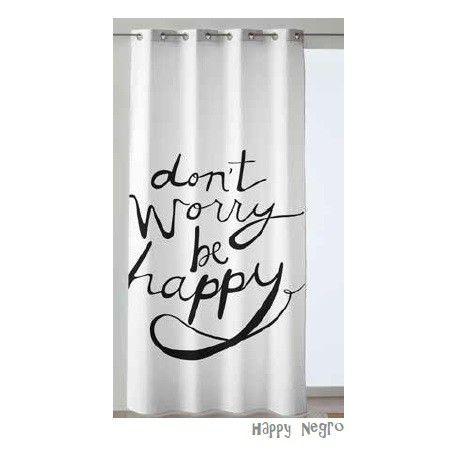 Cortina confeccionada de ollaos Happy. Anímate con la cortina confeccionada Happy proporcionará una atmósfera positiva y con buena energía, para empezar y terminar el día con las mejores vibraciones, su diseño con letras Don´t Worry Be Happy nos harán ver la vida de una forma optimista y positiva. Podrás escoger el diseño de tu cortina de ollaos en tres colores fresa, gris y negro.
