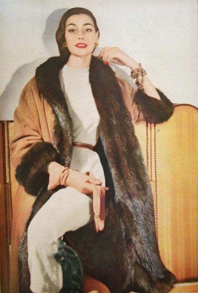 Anne Gunning Photo By Horst Vogue September 1954 Vintage Fashion Magazines Fashion Photos