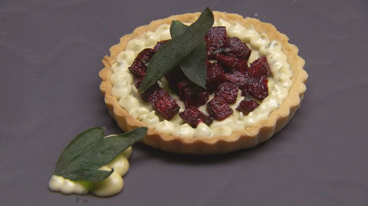 Blue Cheese, Sage and Beetroot Tart http://masterchefrecipe.net/blue-cheese-sage-and-beetroot-tart/