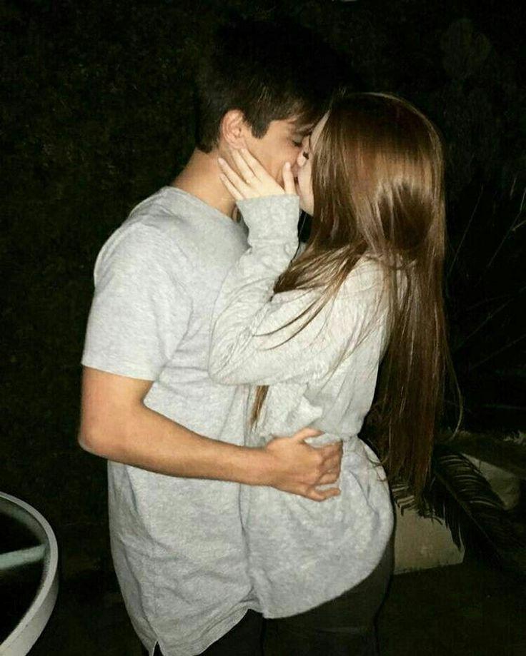 Картинки парня с девушкой обнимаются и целуются без лица