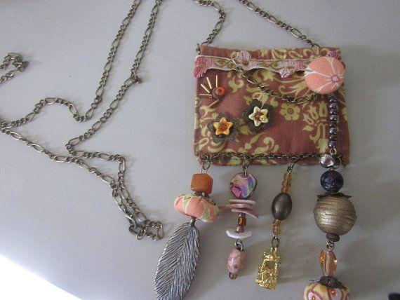 Collar de tela en marrón y naranja reciclado tela por JoieLaVie