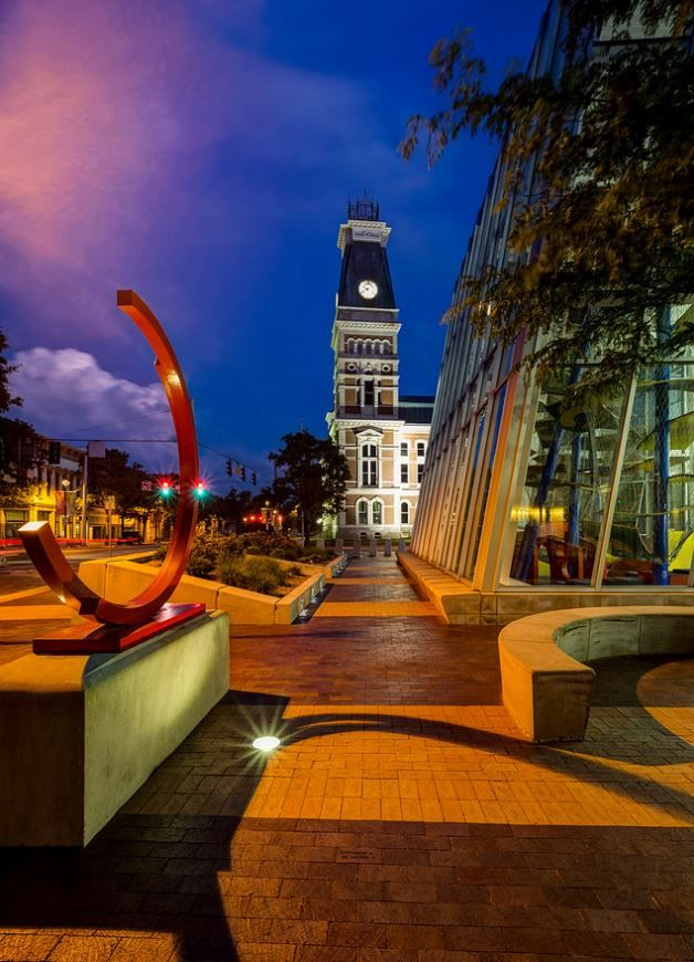 Two Arcs de 212.5, by Bernar Venet; Bartholomew County Courthouse, and The Commons | photo by Tony Vasquez