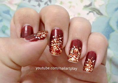 Minha #nailart de #natal de 2013. #unhas #nailpolish #manicure #mani #red #vermelho #dourado #golden #unhasdecoradas #nails