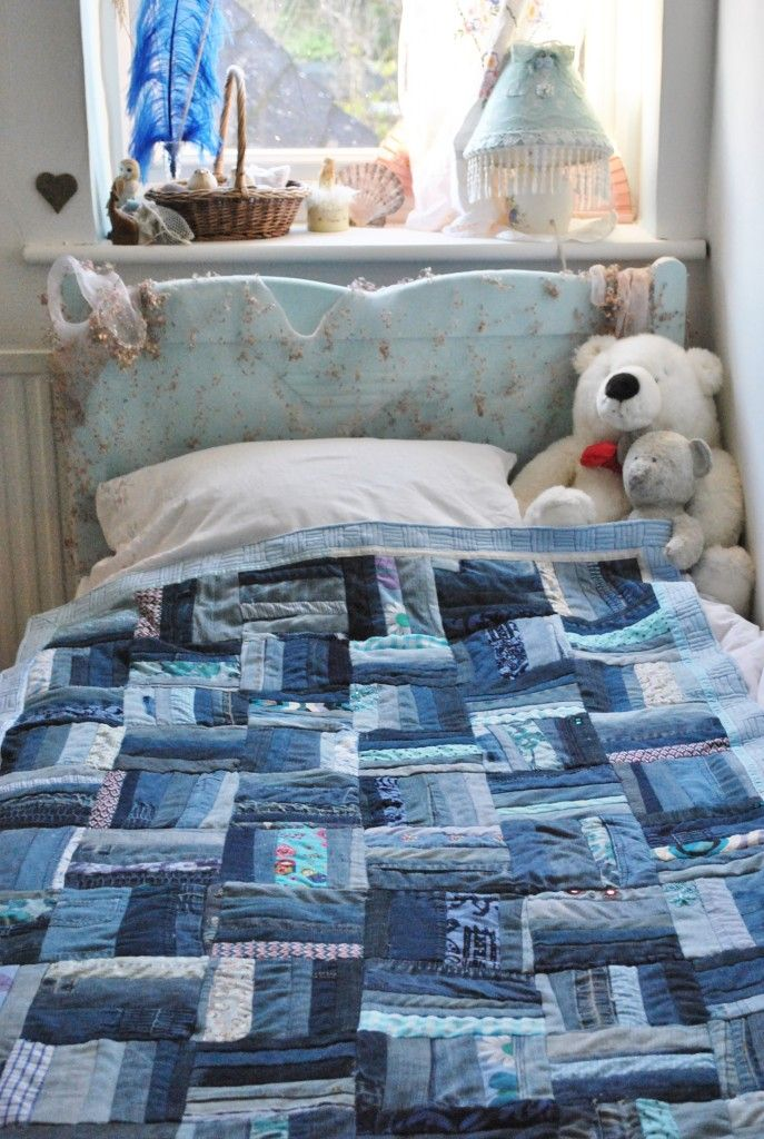 rail fence patchwork quilt - denim Something to do with all the jeans the boys keep putting their knees through...and a keepsake by which to remember them being little boys.