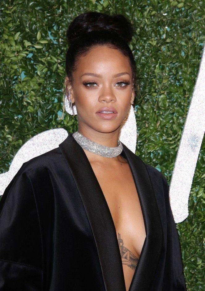Rihanna z nową, filmową piosenką Rihanna ponownie wkracza w świat filmu, tym razem animowanego.   Gwiazda zaprezentowała swój nowy numer ''Towards The Sun''.