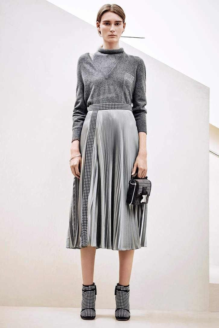 1000 id es sur le th me jupe argent e sur pinterest jupe m tallique tenue grise et style. Black Bedroom Furniture Sets. Home Design Ideas