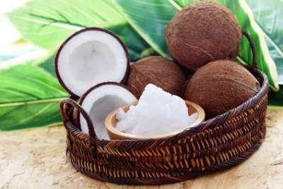 Przez 60 dni jadł 4 łyżki oleju kokosowego. Nie do wiary jak wpłynęło to na jego mózg!