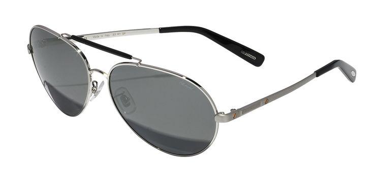 Estas refinadas gafas de sol son una nueva interpretación del estilo Chopard: discreta montura metálica con acabado paladiado y patillas negras, elegantes lentes polarizadas ahumadas para un modelo que durará por siempre. www.e-lentes.com.mx  #lentesdesol #eyewear #moda #lentes #ojos #estilo #elegantes #polarizado