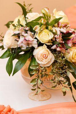 Букеты в вазе для свадебного оформления