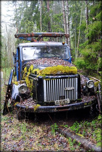 Old Abandoned Trucks | An old abandoned Volvo truck