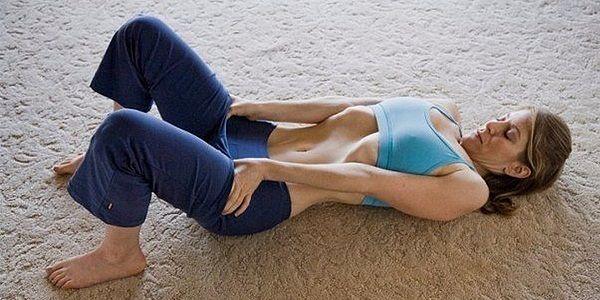 Упражнение, которое быстро подтягивает живот. Мечтаете о плоском подкачанном животике? Существует одна хитрая техника, которая активно применяется также в практике йоги. Она позволяет за очень короткий срок (3-4 недели) не только укрепить мышцы живота изнутри, но и сделать талию более тонкой, а пресс — рельефным. Разумеется, чем чаще вы будете практиковать это упражнение — тем […]