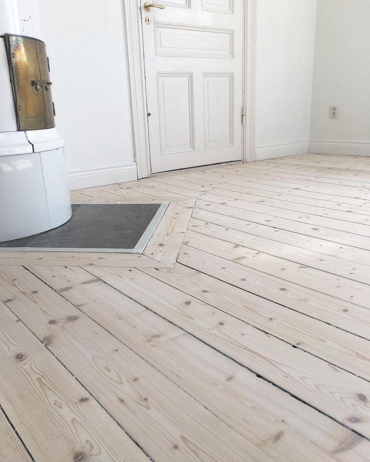 Nu har vi färgat in golvet från förra veckan! Infärgat med Osmo 3111 #osmo #osmo3111 #white #vit # - kjellbergsgolvslipning
