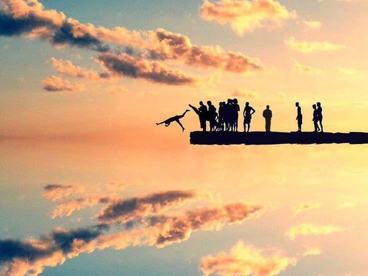 На краю обрыва в небесах!