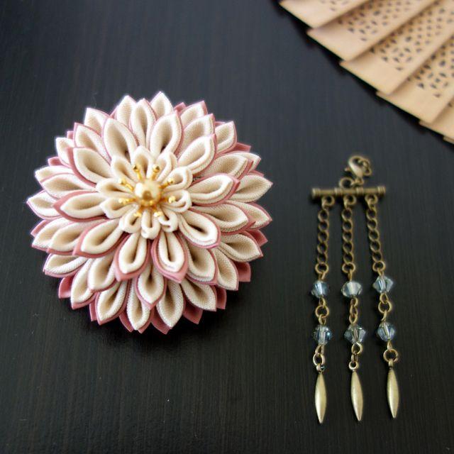 つまみ細工かんざし「 月蝶花」ピンク&アイボリー|つまみかんざし/花かんざし/ヘアアクセサリー