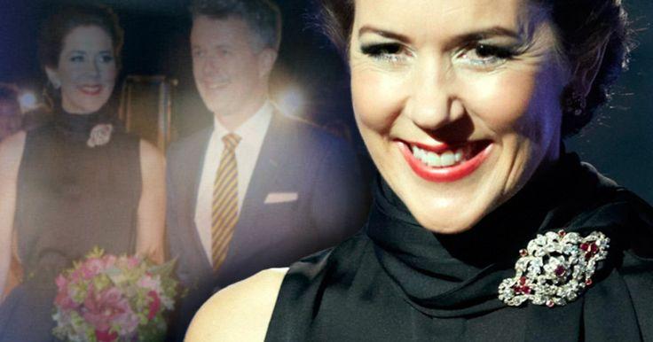 Kronprinzessin Mary von Dänemark ist eine Fashion-Ikone! Und den Beweis hat sie am Sonntagabend wieder geliefert ...