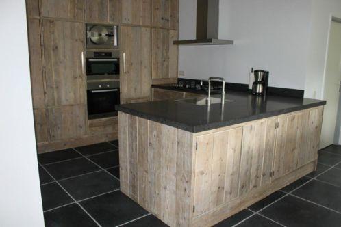 Keuken van steigerhout!!
