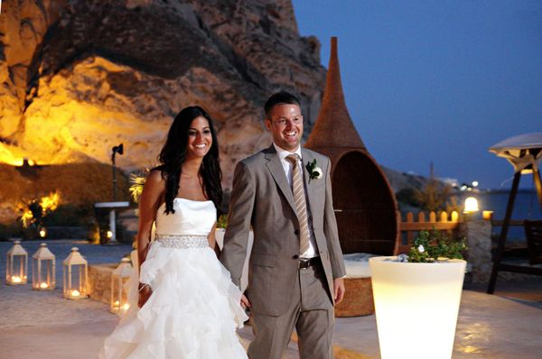 Beautiful couple... #santoriniweddings #destinationweddingsgreece #greece See more http://www.love4weddings.gr/