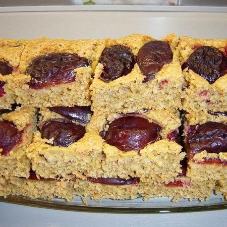Zabpelyhes-szilvás süti egyszerűen Recept képpel - Mindmegette.hu - Receptek