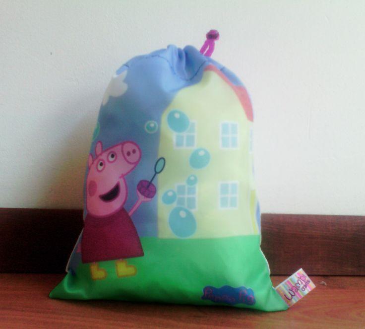 Bolsita para dulces, morralito dulcero  Peppa Pig burbujas 20 x 25 cm. Contacto: Facebook Wambi Craft