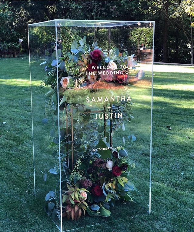 This wedding welcome sign is AMAZING. You could use it to hold your dress in it …