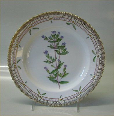 Royal-Copenhagen-Flora-Danica-20-3549-Traditional-Dinner-Plate-10