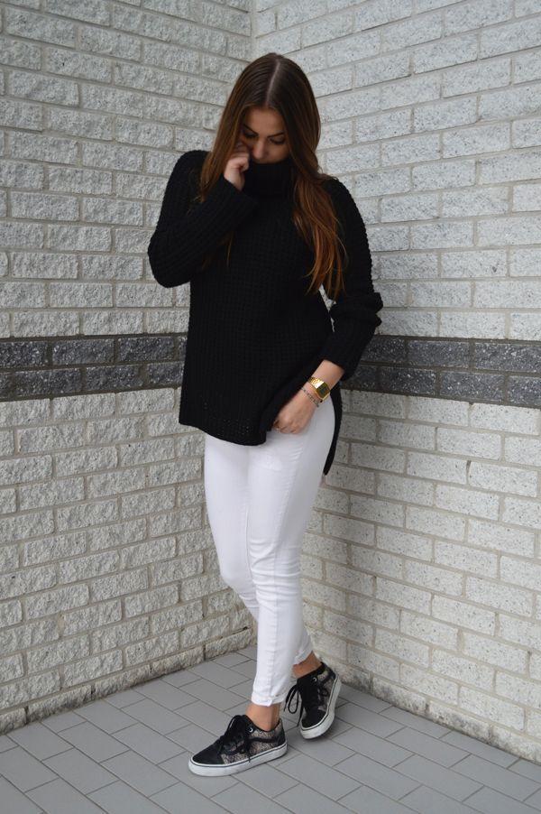 """Vaak hoor ik; """"een witte broek is voor in het voorjaar en de zomer."""" Maar ik vind datonzin. Waarom zou je een witte broek..."""