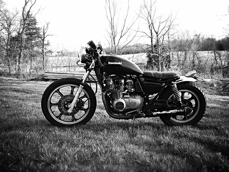"My plan for my KZ550 was similar before I ""inherited"" Harley from Dad.  Garage built KZ550. Built by Metric Nutz"