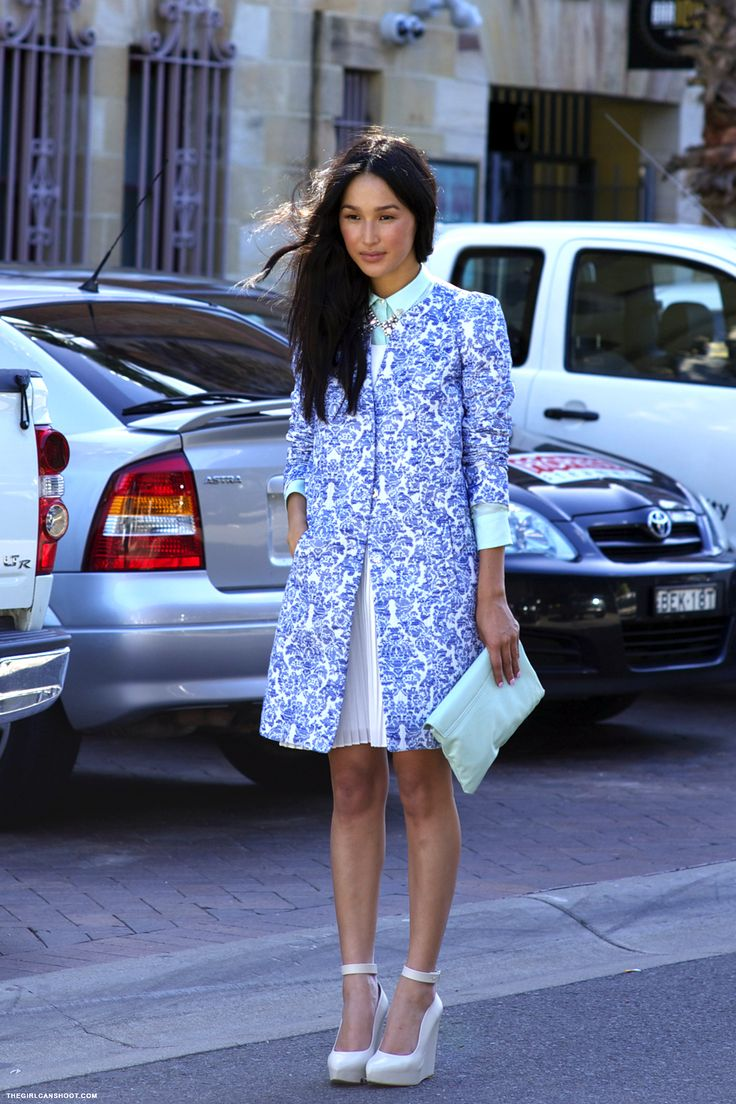 Nicole // Sydney. Ladylike sixties feel.Prints in street style